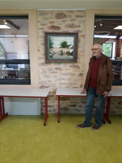 Yves Mazenq devant une de ses œuvres à voir jusqu'au 24 juillet.