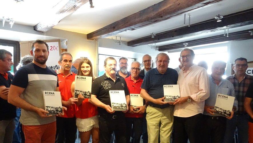 Présentation du livre « 50 ans du club RCENA » au café du Foirail.
