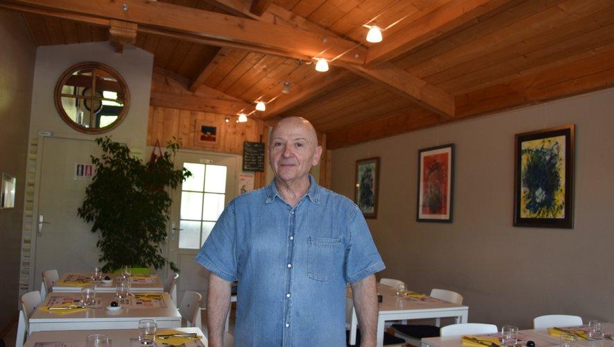 Marcel Fantuzzo dans son antre gourmand où expose actuellement le jeune Killian Malbert.