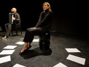 Lionel Suarez accompagnera Clotilde Courau pour des lectures musicales de l'œuvre de Bobin « La nuit du cœur ». Un moment d'une rare poésie. Repro CP
