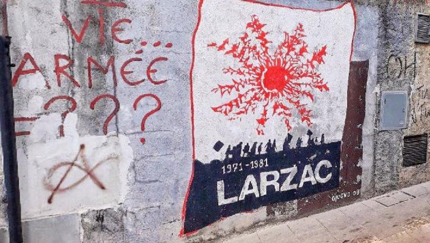 La fresque du Larzac, au beau milieu de l'artère principale, est un incontournable à Orgosolo !
