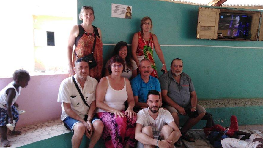 La famille Viargues et les amis de Laurie étaient présents pour l'inauguration de la case Laurie.