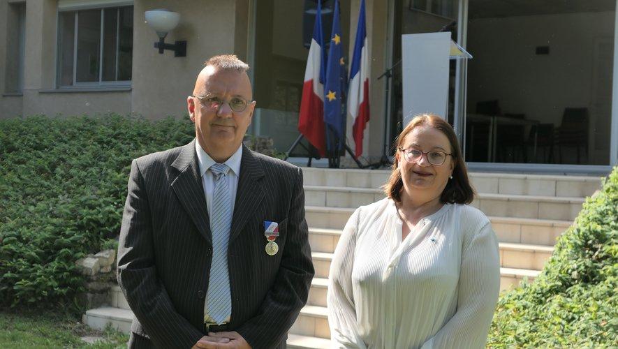Jean-Michel Ribas a été décoré par la sous-préfète, Pascale Rodrigo.