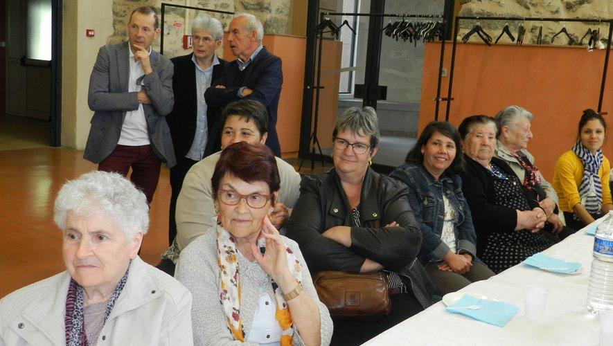 Les usagers et les aides à domicile de l'AMAD ont apprécié la prestation des Pastorels del Roergue.