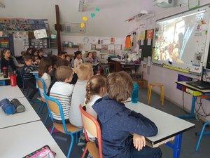 La technologie au service des écoliers et de leurs enseignants.