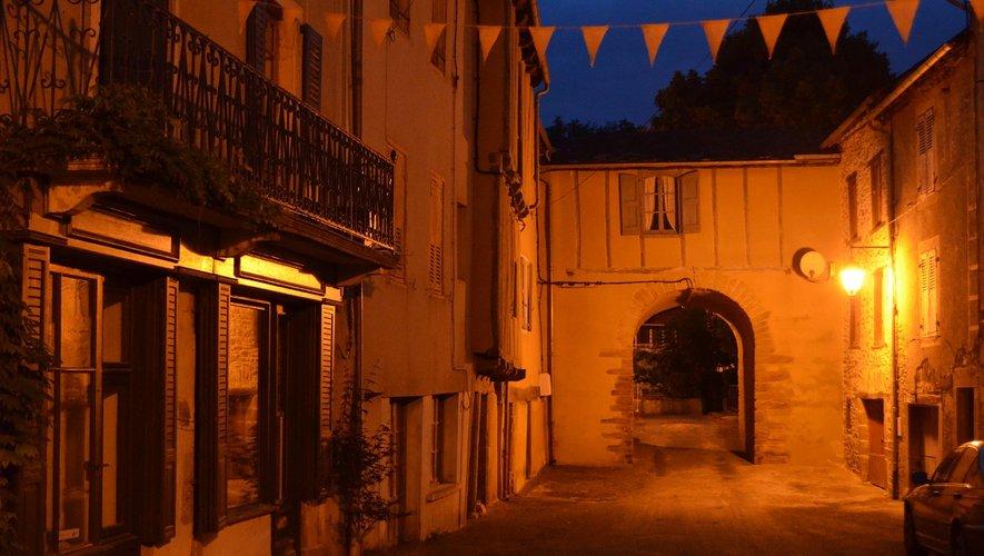 Le porche du village de La Selve.