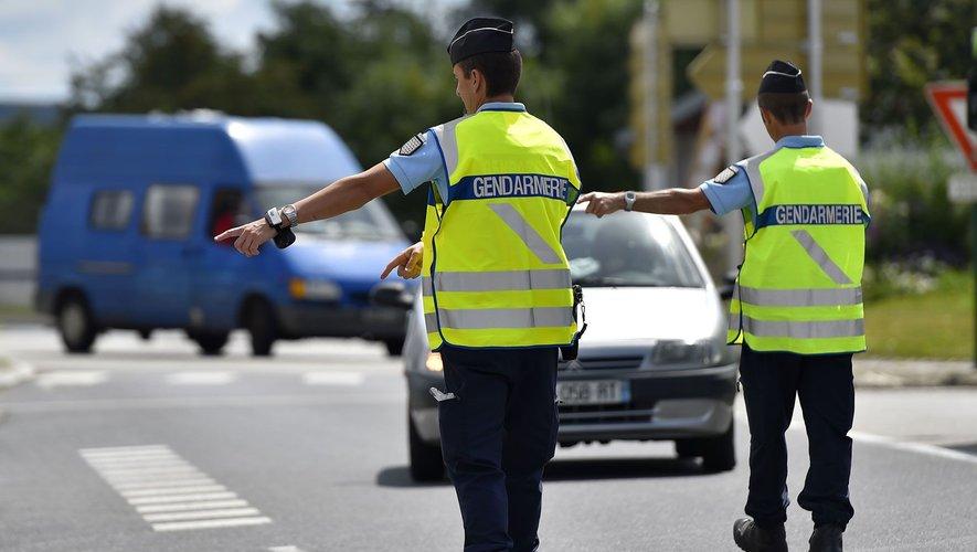 La présence des gendarmes sur les bords de routes n'empêchent pas certains d'avoir des comportements très dangereux.