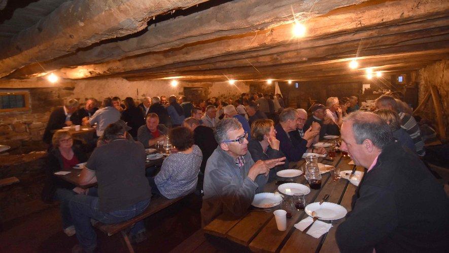 L'association des éleveurs Aubrac en pays d'Olt et les partenaires de la fête de l' estive au buron des Bouals à Aubrac,