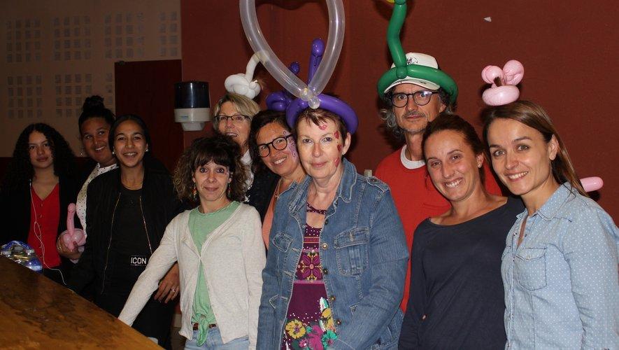 L'équipe du centre social en habits de fête.