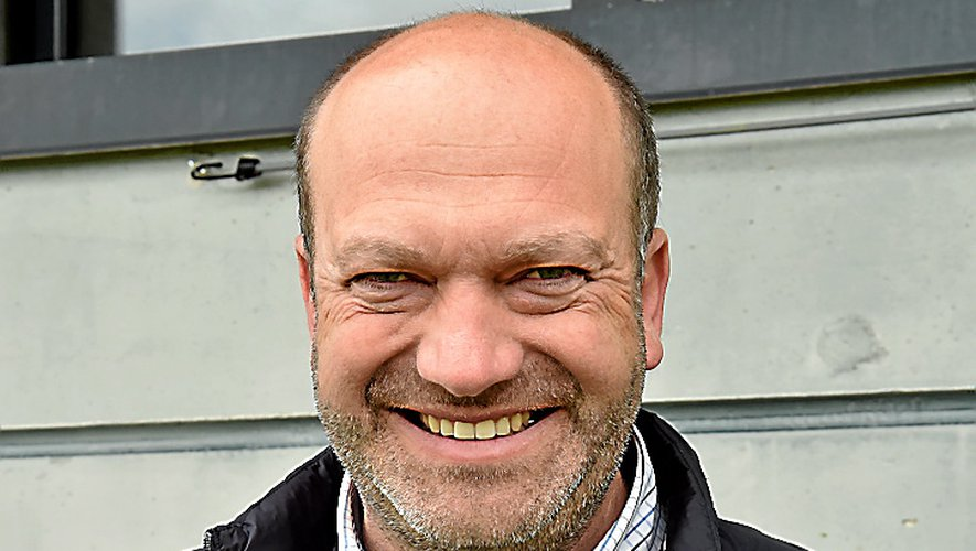 Arnaud Delpal heureux des bons chiffres du football aveyronnais.