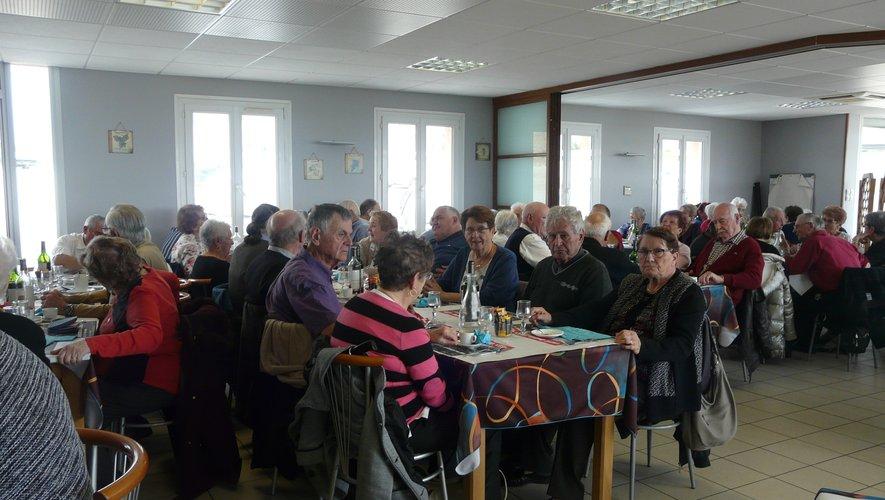 Les aînés se sont donné rendez-vous au restaurant
