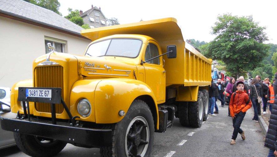 Un vieux camion sans direction assistée !