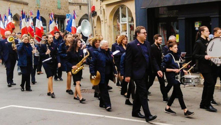 La Lyre decazevilloise, défilant à Figeac.