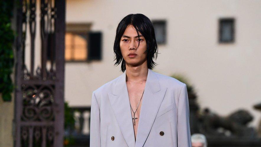 Nuque longue chez Givenchy. Florence,  12 juin 2019