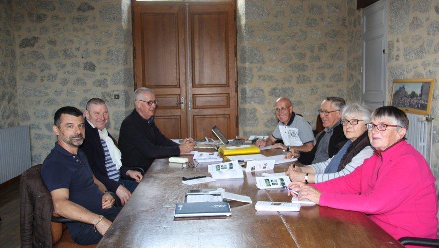 Bénévoles, association, élus, réunis pour faire découvrir le patrimoine.