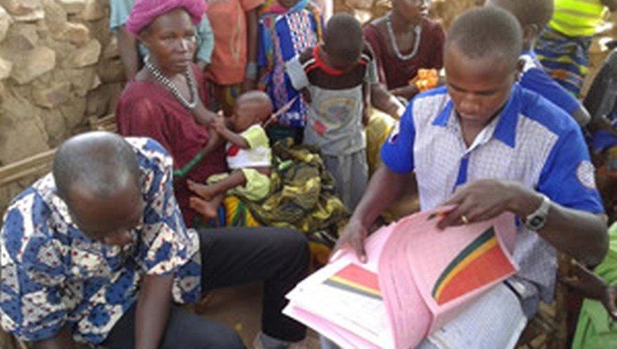 Les populations maliennesde la région de Bandiagara sont reconnaissantes au « docteur ».
