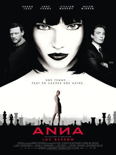 """Avec """"Anna"""" de Luc Besson, la mannequin russe Sasha Luss signe son premier rôle principal au cinéma."""