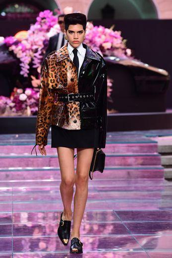 Le défilé Versace pour sa collection homme printemps-été 2020 à Milan