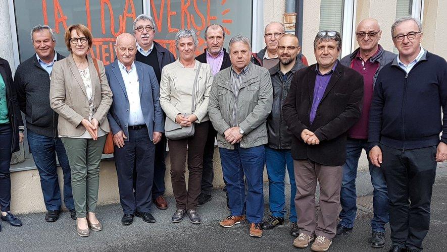 L'ensemble des élus a souhaité une très bonne et heureuse retraite à Suzette (quatrième à partir de la gauche) à la Coste de Mayran.