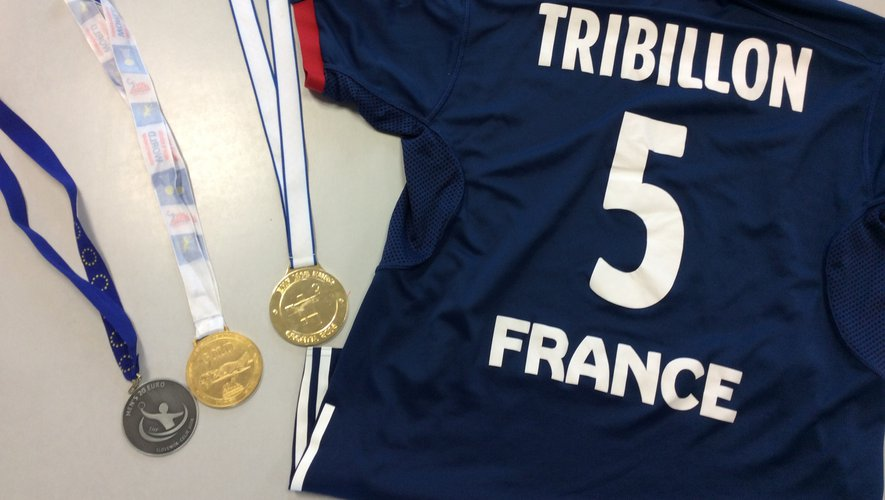 Le maillot n° 5 du champion Gaël Tribillon.