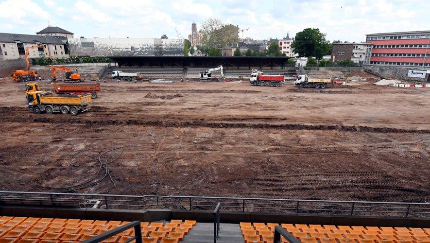 Le stade Paul-Lignon a pour l'instant un air de Roland Garros.