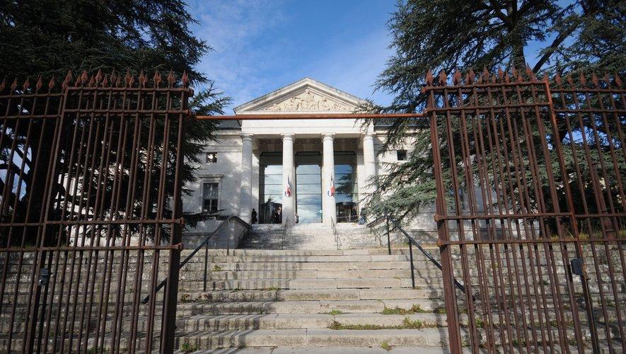 Le tribunal de Rodez.