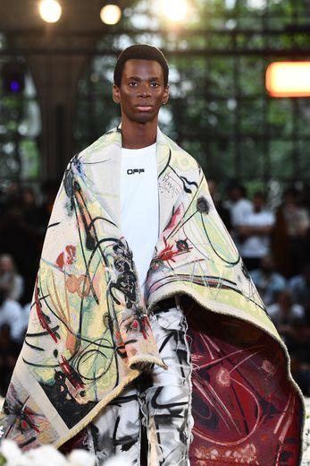 MAJ: Graffiti et sandales-chaussettes: le streetwear chic par Virgil Abloh à Paris