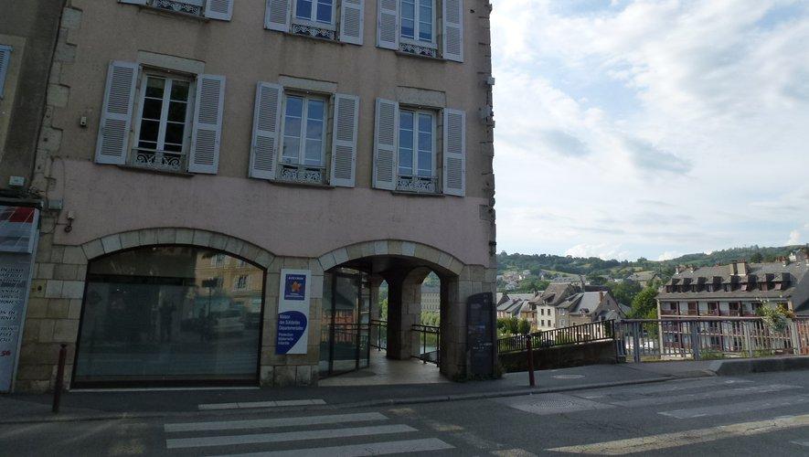 Le bâtiment de l'ancienne pharmacie Antakly accueillera l'office central de tourisme des Hautes terres d'Aveyron.