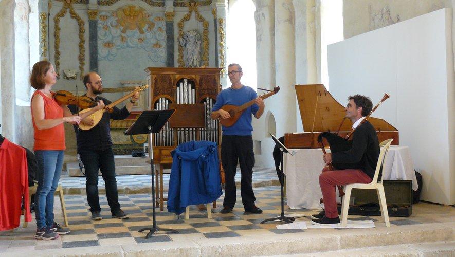 Les quatre musiciens dvont régaler leur auditoire.