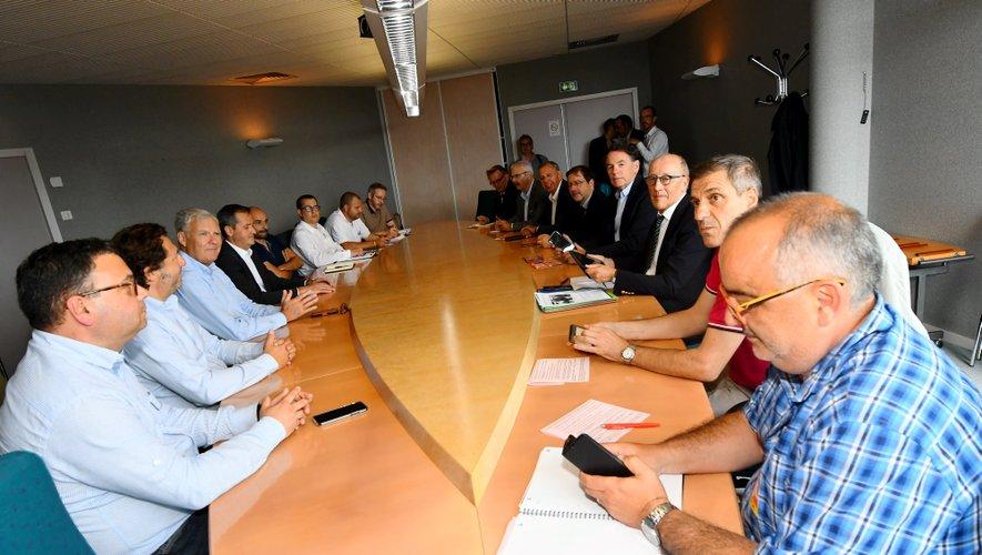 Une rencontre en mairie de Rodez.