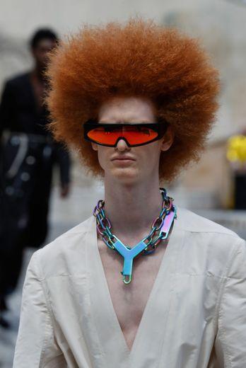 Rick Owens a opté pour des coiffures électrisantes et un teint parfait.