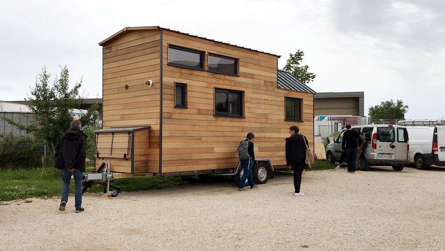 Les premières micromaisons devraient sortir des ateliers de Marin Boissonnade au mois de septembre. En attendant,  Gaël Dufour et son associé  font visiter des Tony House  qui servent de modèles.