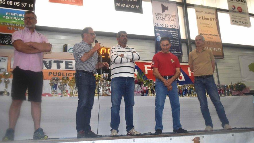 Les officiels à la remise des prix du 37e rallye automobile régional.