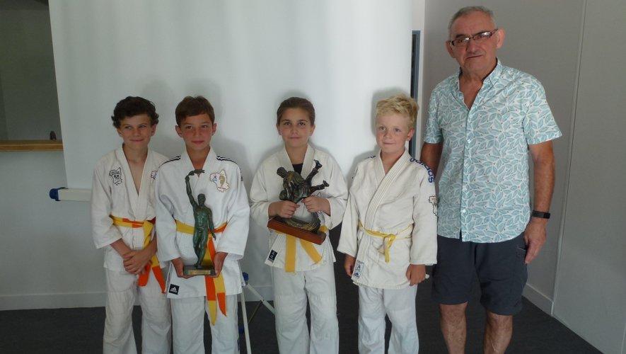 Les jeunes judokas récompensés.