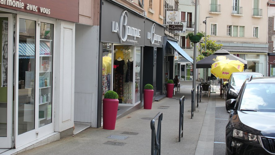 L'arrivée des beaux jours, combinée au chantier qui redessine la rue Cayrade, laisse augurer un renouveau du commerce de proximité.