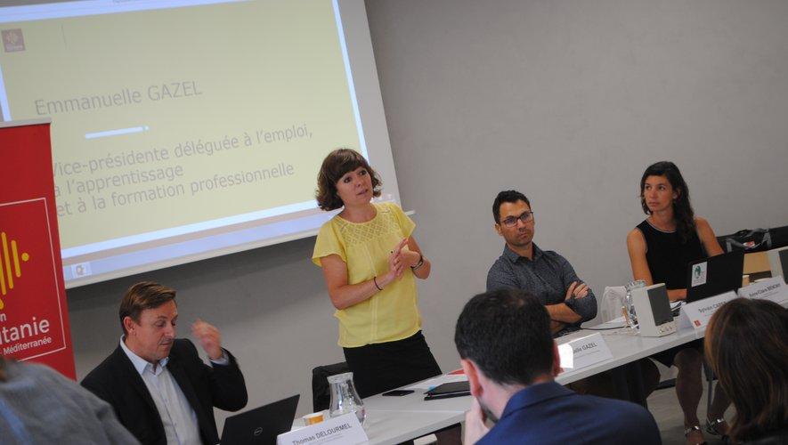 Emmanuelle Gazel présente l'offre de service de la Région aux entreprises.