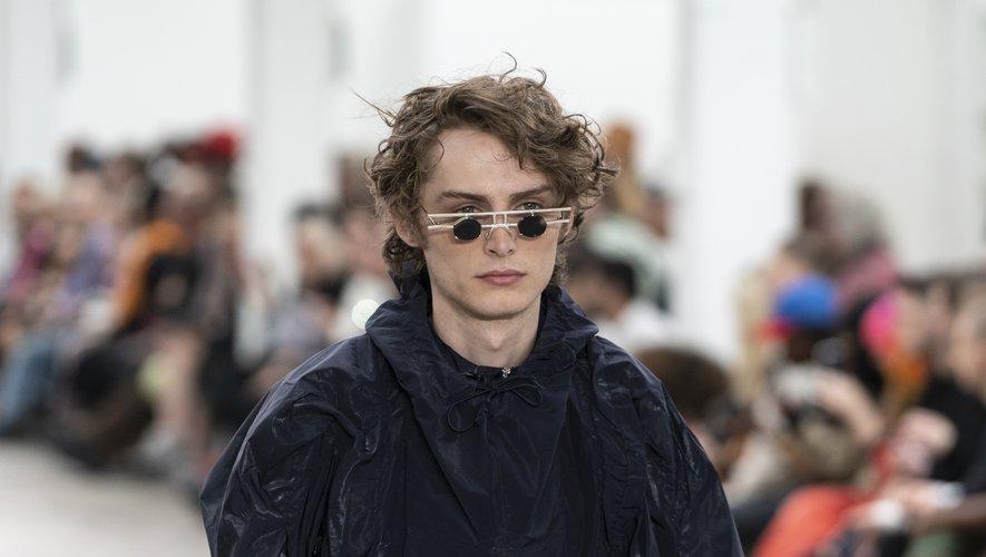 Les lunettes futuristes version miniature de Per Götesson. Londres, le 9 juin 2019.