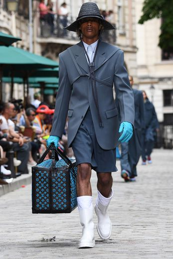 Le sac type bagage par Louis Vuitton. Paris, le 20 juin 2019.