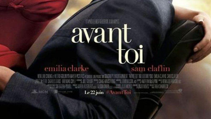 """L'adaptation cinématographique du roman de Jojo Moyes, """"Avant toi"""", réalisée par Thea Sharrock avec Emilia Clarke et Sam Claflin, a enregistré 124.522 entrées en France."""