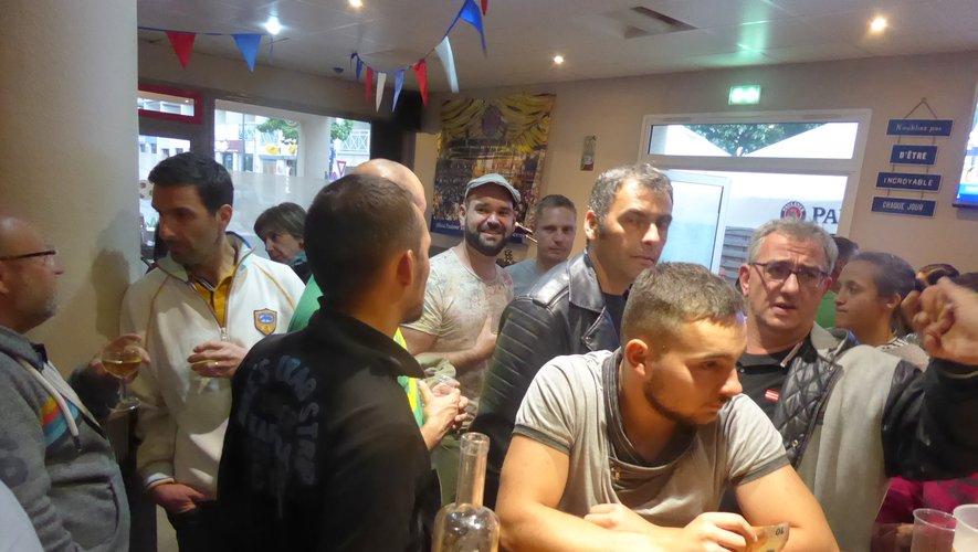 Quelques-uns des participants à la soirée organisée vendredi dernier à l'Insolent.
