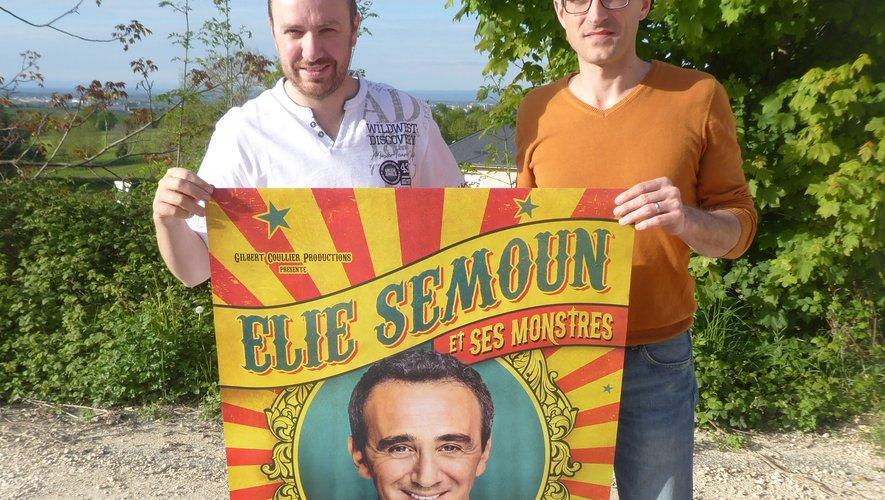Les coprésidents Damien Routaboul et David Romiguière annonçant le spectacle avec Élie Semoun.