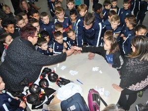 Les responsables de l'école de foot, Martine Cassalengua et Maxime Gaillac, participeront aux répartitions.