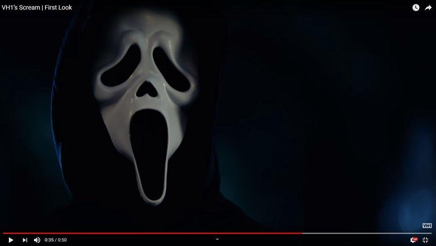 Le masque si caractéristique du tueur en série sera pour la première fois utilisé à la télévision.