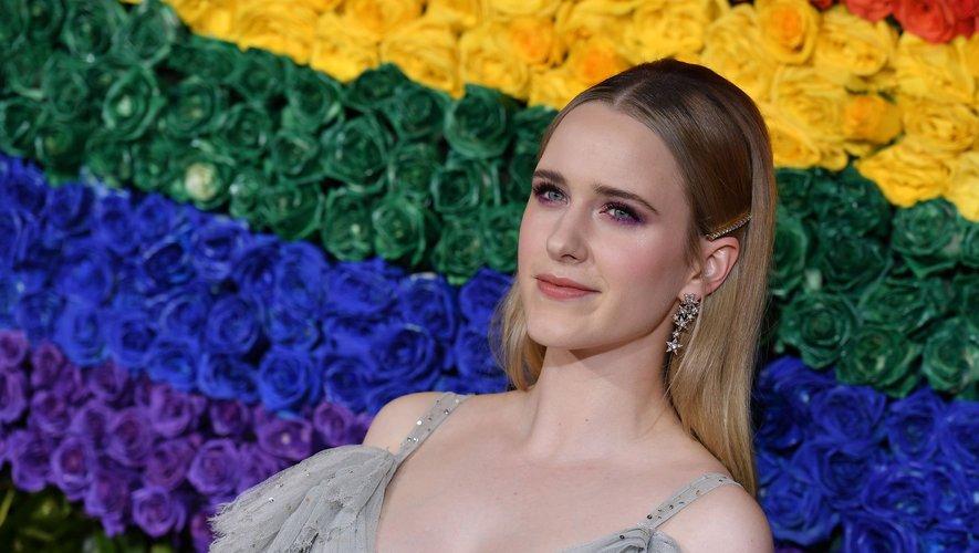 """Si elle reprendra son rôle de l'impétueuse Miriam """"Midge"""" Maisel dans la troisième saison de """"Mme Maisel, femme fabuleuse"""", attendue fin 2019, Rachel Brosnahan jouera et produira le drame """"I'm Your Woman"""" avec les studios Amazon."""