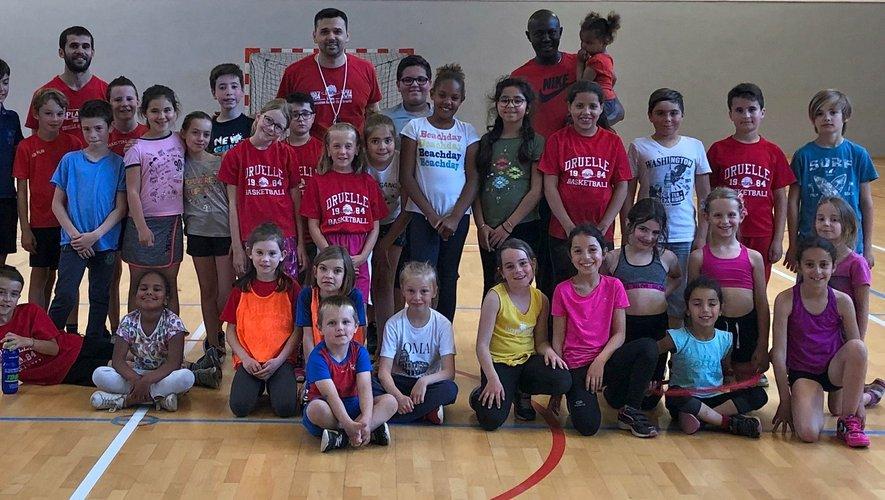 De nombreux jeunes ont participé à la demi-journée initiation au basket.