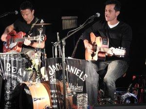 La Déryves, un duo de musiciens fidèles à la fête locale.
