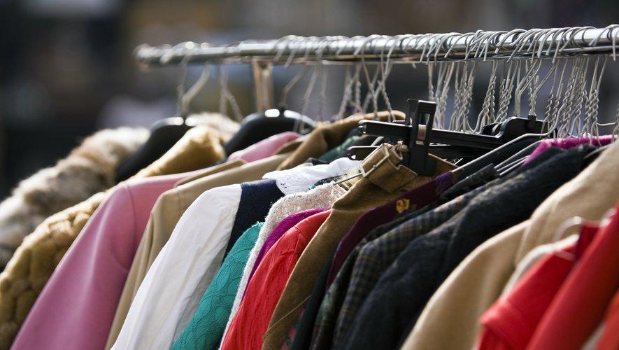 En France, environ 624.000 tonnes de textile sont mises sur le marché chaque année, soit 2,6 milliards de pièces