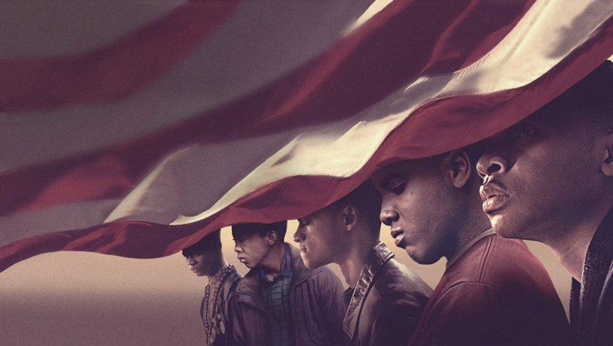 """Vera Farmiga, Felicity Huffman et Joshua Jackson font également partie du casting de """"Dans leur regard"""" (""""When they see us""""), toujours disponible sur Netflix."""