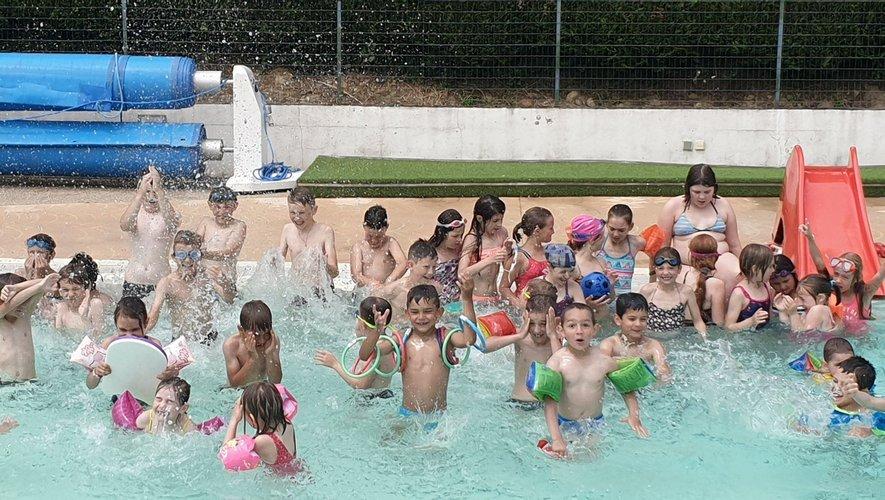 Les écoliers de Sainte-Marie ont investi la piscine de Salmiech