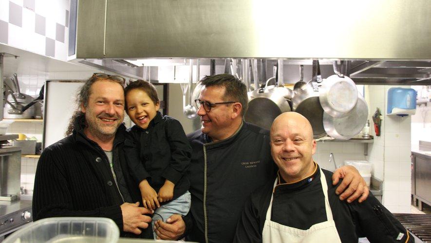 Shaka avec le sourire dans la cuisine de Gilles Moreau.